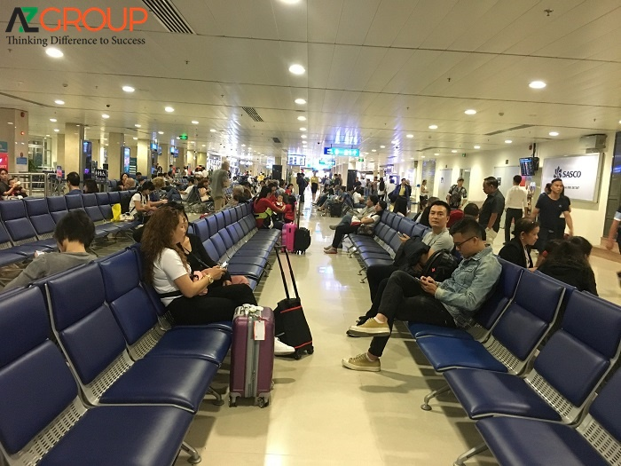 """Quảng cáo sân bay Tân Sơn Nhất - """"đắt xắt ra miếng"""""""