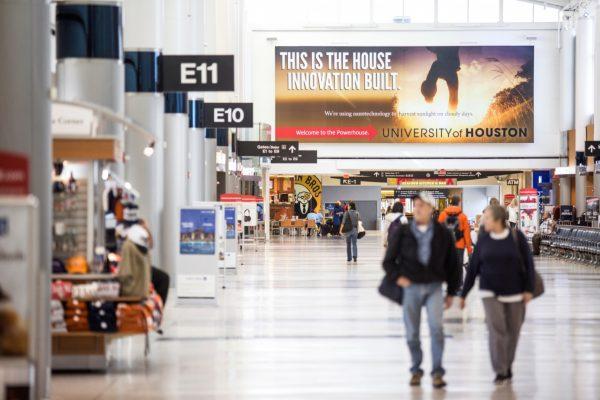 Quảng cáo sân bay Chu Lai