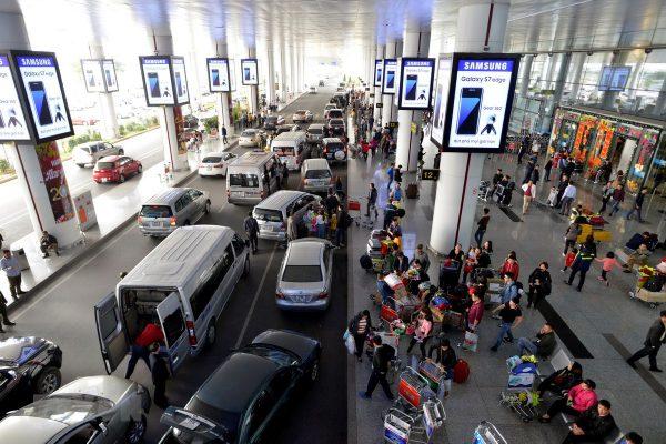 Lượng khách đông mỗi ngày tại sân bay