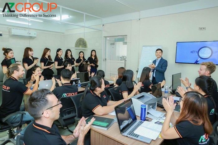 Đội ngũ nhân viên chuyên nghiệp AZGROUP